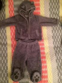 Warm clothes 6-9m, 6-12m