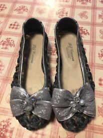 Gorgeous girl shoes sz 29
