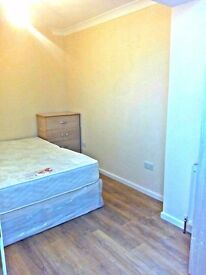 £110pw Double room available for g i r l s only , in Edmonton