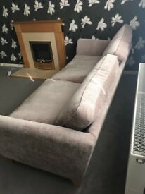 Lovely neutral 4 Seater Sofa/Settee/Couch