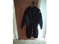 Men's Size LS/ EU 26 Wet Suit