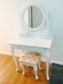 White table and chest