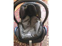 Maxi-Cosi Car Seat, Easyfix Base & Footmuff