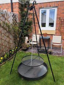 [New] BBQ Set: Black Steel Grate 60cm on 180cm Tripod & Fire Pit