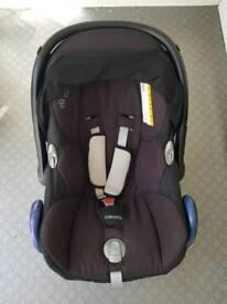 maxi cosi cabiofix car seat and iso fix base