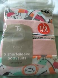 Tu 5 short sleeve baby body suits girls newborn 7lb .