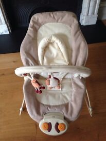 Mamas and Papas Bouncing/Vibrating Musical Seat