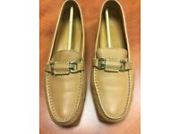 Russell & Bromley ladies loafers/driving shoes. Size 6/39. Tan leather. VGC.