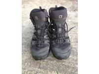 Men's Size 9 Salomon Ultra Mid 2 GTX Hiking Booot