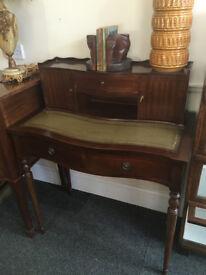 Stylish Looking Antique Regency Style Bow Front Mahogany Ladies Writing Desk