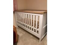 Lovely baby bed