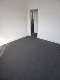 3 BEDROOM FLAT ABOVE A COMMERCIAL PREMISES AVAILABLE, BIRMINGHAM ROAD, OLDBURY, DSS ACCEPTED