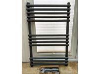Wickes Liquid Round Vertical Designer Towel Radiator - Anthracite 800 x 500 mm