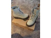 Dr Martens Pascal Ivory