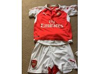 Arsenal football kit - age 7 years