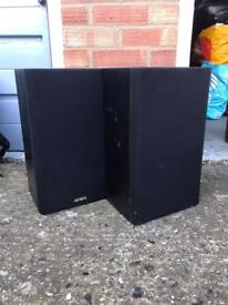 2 large Aiwa speakers