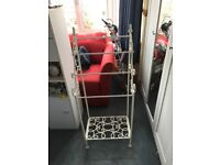 Metal towel rail/rack
