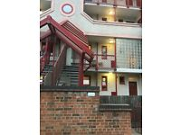 2 x Cheap Beautiful rooms in Limehouse with Balcony inc bills