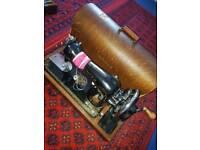 Hand crank sewing machine