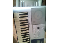 Yamaha PSR-E323 Touch sensitive, Good condition