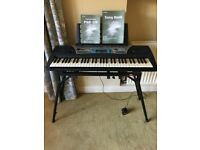 Yamaha Portatone PSR-170 electronic music keyboard