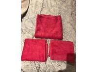 MARKS & SPENCER FUSCHIA PINK BATH SHEET & 2 HAND TOWELS