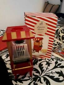 POPCORN MAKER IN BOX HARDLY USED COST £32