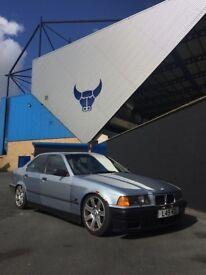 BMW e36 saloon drift