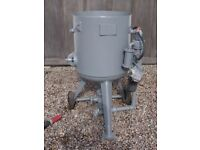 Hodge Clemco Sand Blasting Pot - Fully refurbished Tested full working order