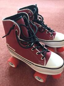 Girls roller skating boots - with helmet and pads