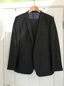 Mans Fitted Suit Worn once to wedding