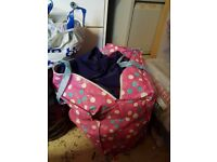 Big bundle of womens clothes