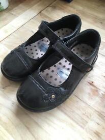 Girls School Shoes Size 10/28 FREE
