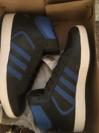 New Men's Adidas Hightops trainers viral Mid
