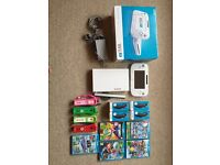 Hardly used Nintendo wii u 8gb cost over £580-full set Mario remotes, Mario games, new nunchucks
