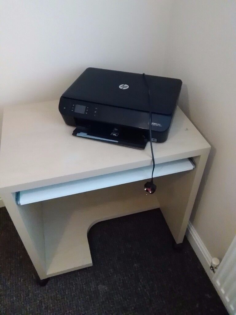 Computer desk and HP wifi printer and scanner working