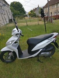 Great running wee moped, starts no bother great for getting from Ato B