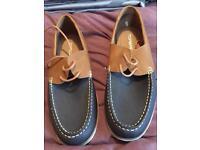 Men's deck shoes size 7