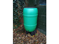 210 litre green water butt in excellent condition with stand and lid