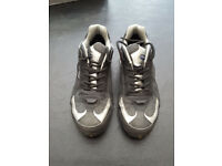 Trainer Style 'Toe Tector' protective footwear size 6/39 unused