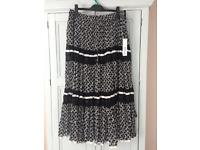 Holiday skirt size 20 BNWT