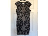 Perfect little dress for the office or a night out, M (10/12).