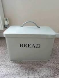 Bread strage tin
