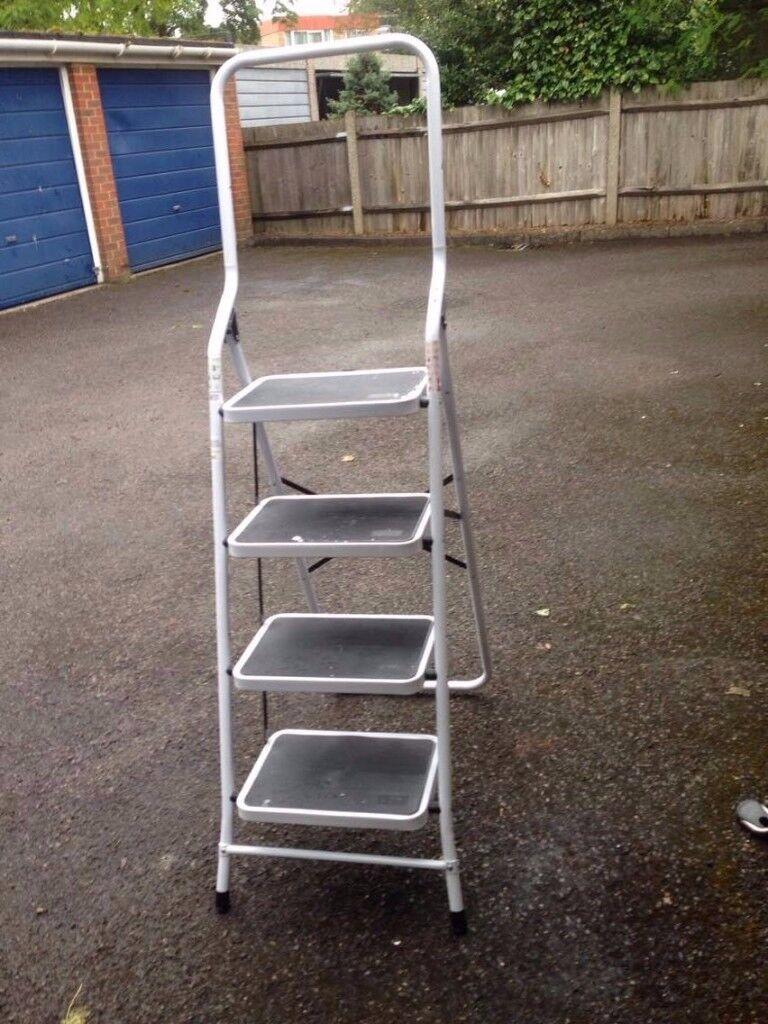 4 Step Ladder Strong Heavy Duty White Folding Non Slip Matt Kitchen Loft Steel