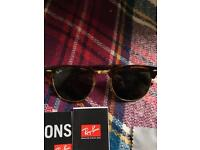 Worn once raybans CLUBMASTER w0366