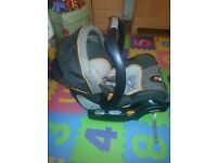 Chicco Keyfit 30 infant car seat with base