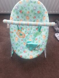 Baby Bouncer/rocker chair - vibration setting woth hanging toys