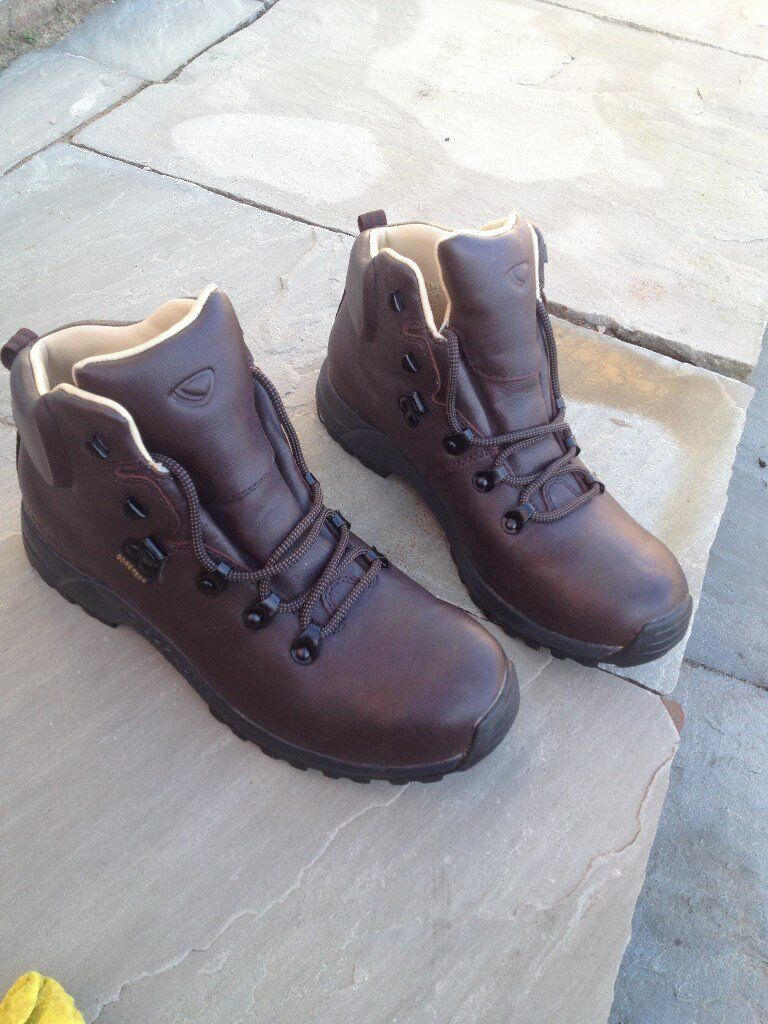 Walking boots, ladies 6 1/2 - Brasher Supalite II GTX full leather, Gore-tex waterproof, worn once!