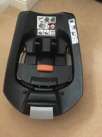 Cybex aton isofix base excellent condition with box