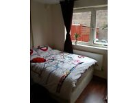 Bright Double room in Brixton with a Garden